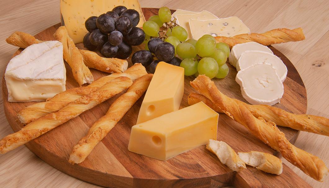 Käse-Platte mit Tourinos von DeBeukelaer